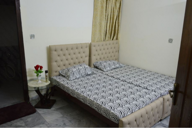 House Available for Rent Bahria Town ISLAMABAD bed 1