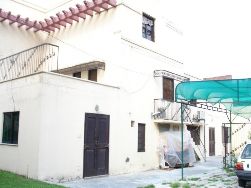 House Available for Rent Model Town LAHORE View