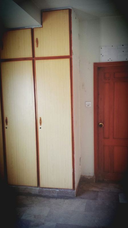 House Available for Sale F-10 Sector ISLAMABAD Bed room - 1