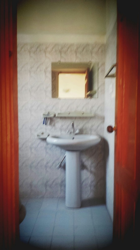 House Available for Sale F-10 Sector ISLAMABAD Wash room 1
