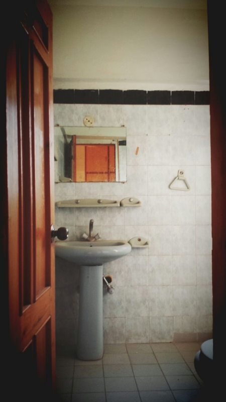 House Available for Sale F-10 Sector ISLAMABAD Wash room 2