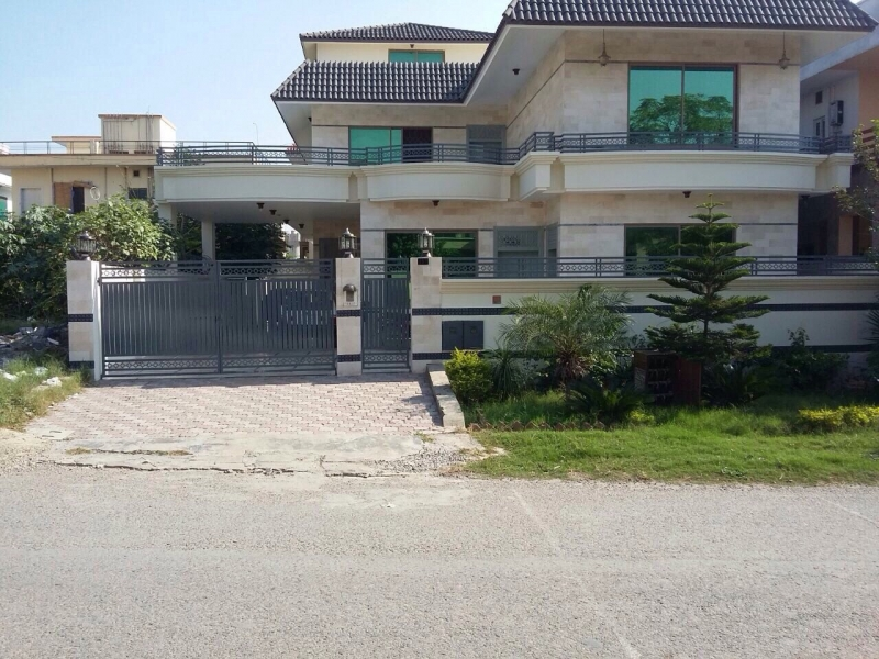 House Available for Sale G-10 Sector ISLAMABAD
